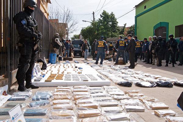 Imagen de una noticia en un diario argentino sobre el narcotráfico