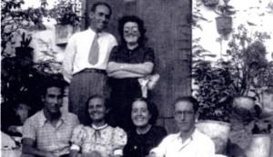 De la Fe y Laforet, en el centro, flanqueadas por los hermanos Lezcano y junto a otros dos amigos. i LP/DLP